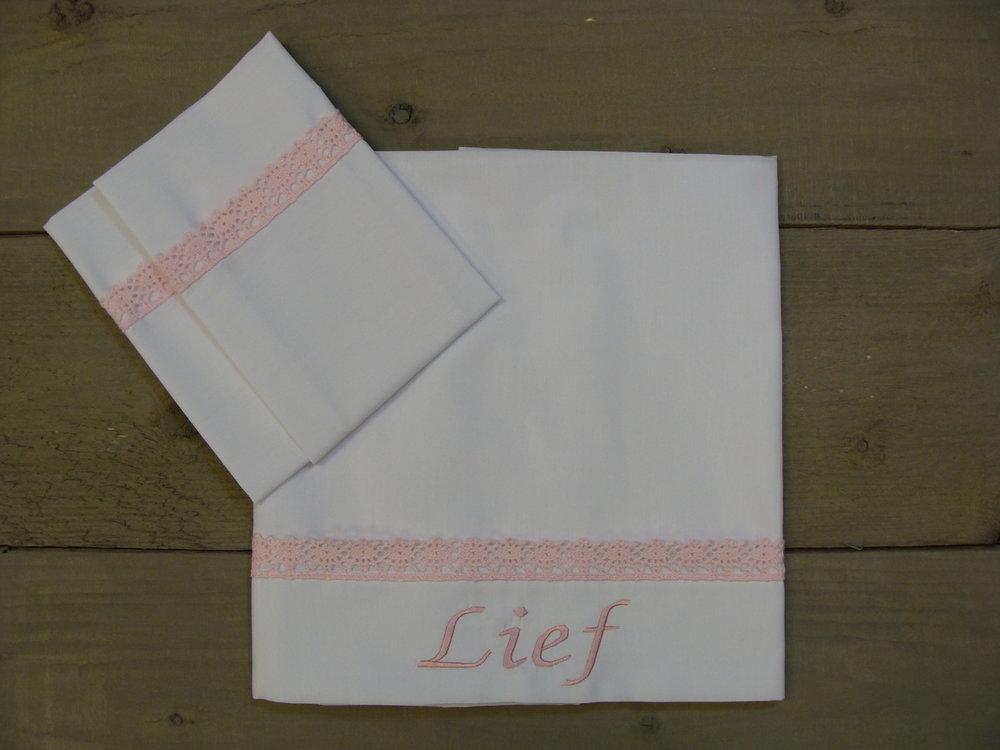 Lakentje Wit met roze kant wieg-wagen